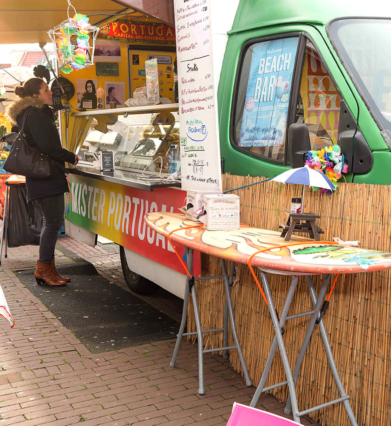 mister-portugal-hapjes-kraam-markt-assen